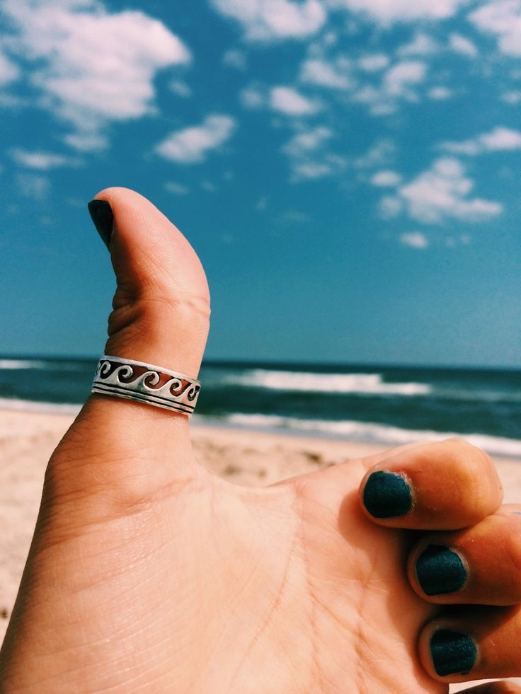 ☾☼☽ This makes me miss my thumb ring :(