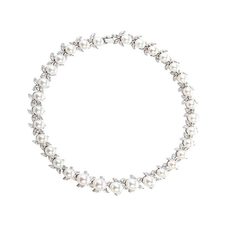 *Free shipping worldwide* With glowing pearls set alternately with silver petite leaves decorated with cubic zirconia, this necklace goes with any occasion from everyday to wedding. | bridal necklace | wedding necklace | bridesmaid necklace | prom necklace | silver necklace | white pearl necklace | bridal jewelry | wedding jewelry | prom jewelry | bridal jewellery | wedding jewellery | prom jewellery