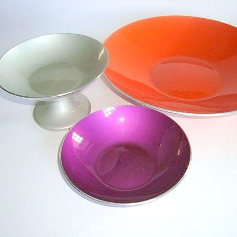 Emalox bowl designed by BJØRN ENGØ 1950-70s made in aluminium/enamel. #emalox #Bjørnengø #bowl #1950s #1970s #enamel #emalje #tilsalg #forsale on www.TRENDYenser.com