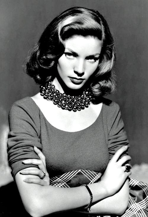 Lauren Bacall rockin' her look