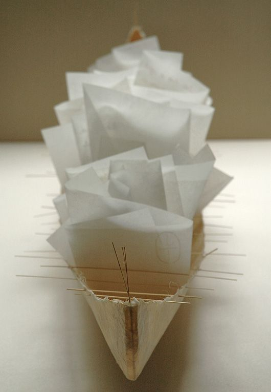 I so love this paper boat. Marlis Maehrlene is one amazing artist.