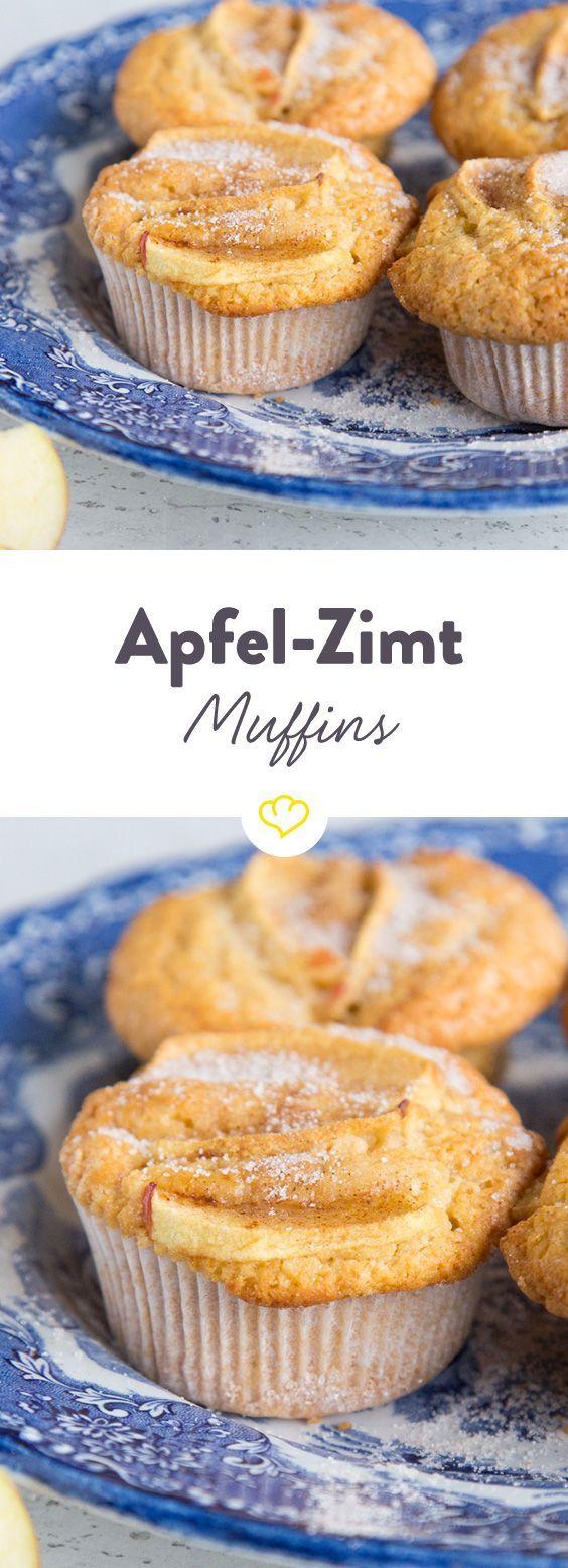 Äpfel und Zimt sind seit jeher ein unschlagbares Team. Statt im großen Kuchen gibt's das köstliche Duo hier im handlichen Miniformat. Ein Biss in den fluffigen Teig macht ganz schnell klar: Ein Küchlein ist nicht genug!