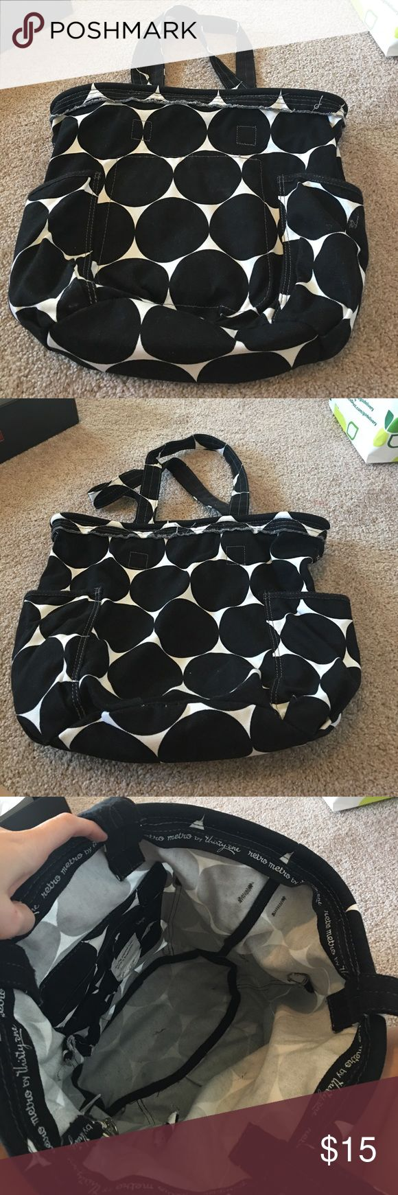31 Discontinued Retro Metro Tote Good condition. They no longer have this style. One of the most popular. Black and white dot. Retro metro. Has key clip attachment. thirty one  Bags Totes