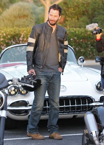 Keanu Reeves Pictures Pictures: Keanu Reeves Stops At A Basic Automobile Meet