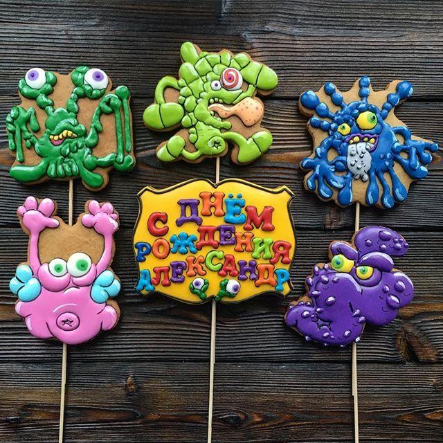 WEBSTA @ annetpiskunova - А вы ели когда-нибудь торт с микробами? Топперы на торт микробы))