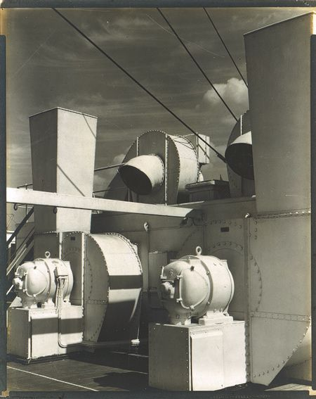 Charles Sheeler: Upper Deck (1928). Charles Sheeler