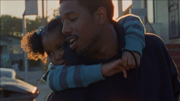 Inspirada en una historia real, Fruitvale Station narra el último día en la vida de Oscar Grant, un hombre que murió asesinado injustamente por la policía en Oakland, California.¿Por qué te va a hacer llorar?La película va más allá de la noticia que resonó en los medios internacionales y trata de mostrarte el lado íntimo de un joven que luchaba por encontrar su sentido en la vida.
