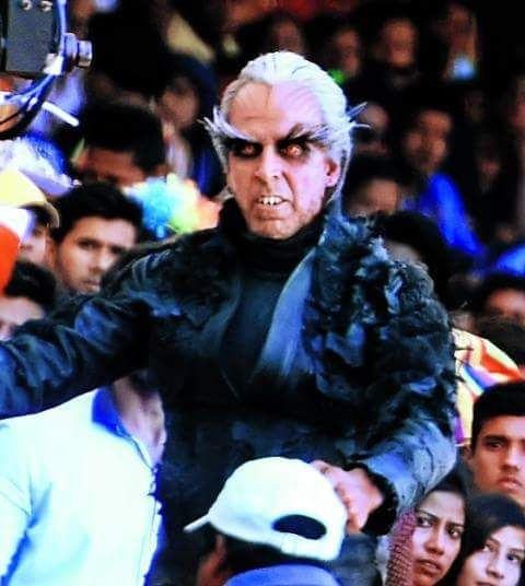 Omfg! Akshay Kumar just transformed into a DEADLY CROW for Rajnikanth starrer 2.0  view pic!