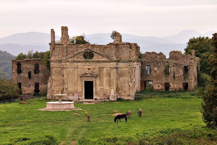 Monterano is a ghost town in the province of Rome and used to be an ancient domain inhabited since the Bronze Age