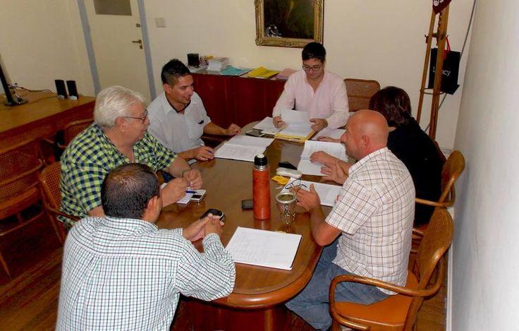 LAVOZ DEL QUEQUEN : Se empieza a definir el nuevo convenio colectivo d...