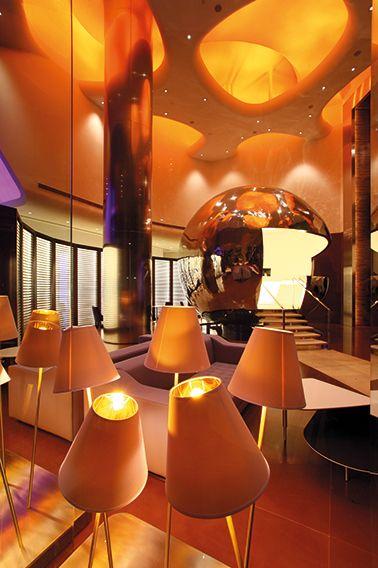 Recepción del hotel Klapsons en Singapur, uno de los hoteles miembro de Design Hotels.