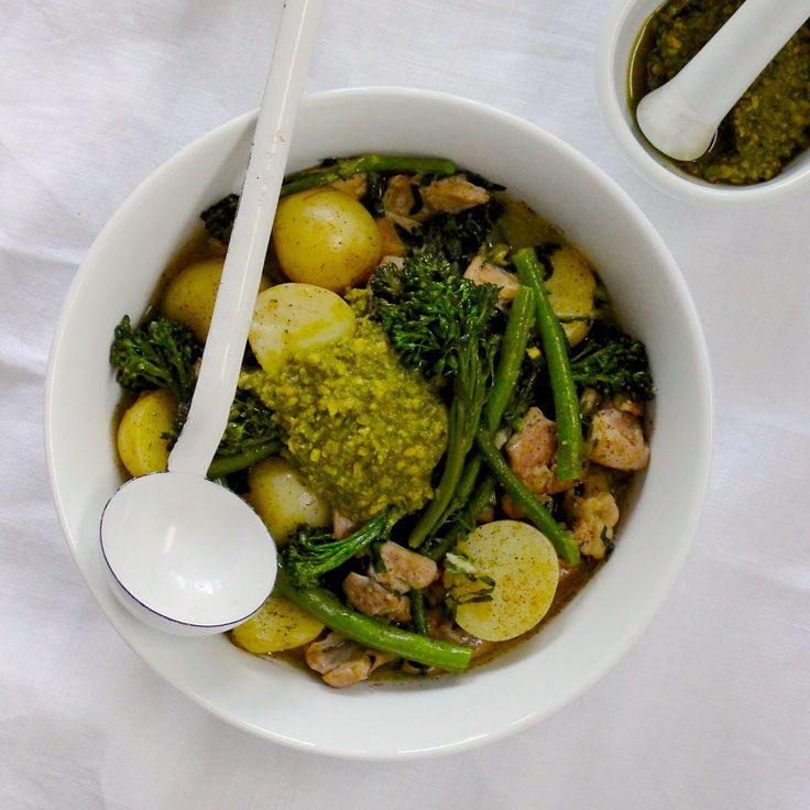 ONE POT SPRING FREE RANGE CHICKEN STEW. Even as it's getting warmer its still the perfect time of the warming stew. This light, vibrant one-pot chicken stew is packed with spring veg and topped with a herby pesto from Fresh Fodder. 30 Minutes. Gluten Free. Sugar Free. Dairy Free.