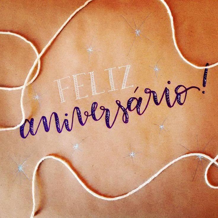 Feliz Aniversário! Happy Birthday card  .  #caligrafia #calligraphy #caligrafiamoderna #moderncalligraphy #handletter #handlettering #brushpen #brushpencalligraphy #presente #pacote #wrapping #aniversario #bday
