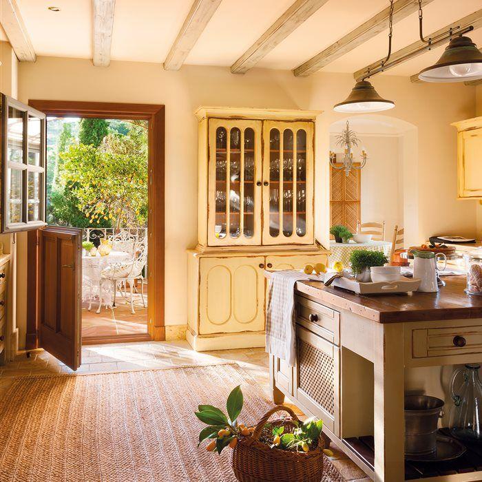 Monocolor En 2020 Cocinas Rusticas Decoracion De Cocina Y