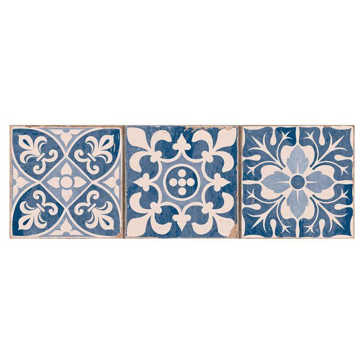 Klinke Peronda C FS Faenza-a er en blå og hvid klinke i marokkansk stil fra spanske Peronda. klinkerne er sat sammen 3 på række og med blandede mønster.