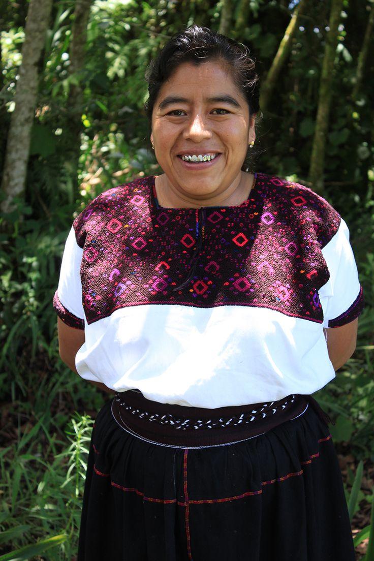 San Andrés Larrainzar, Chiapas. | Chiapas, Huipiles, Textiles