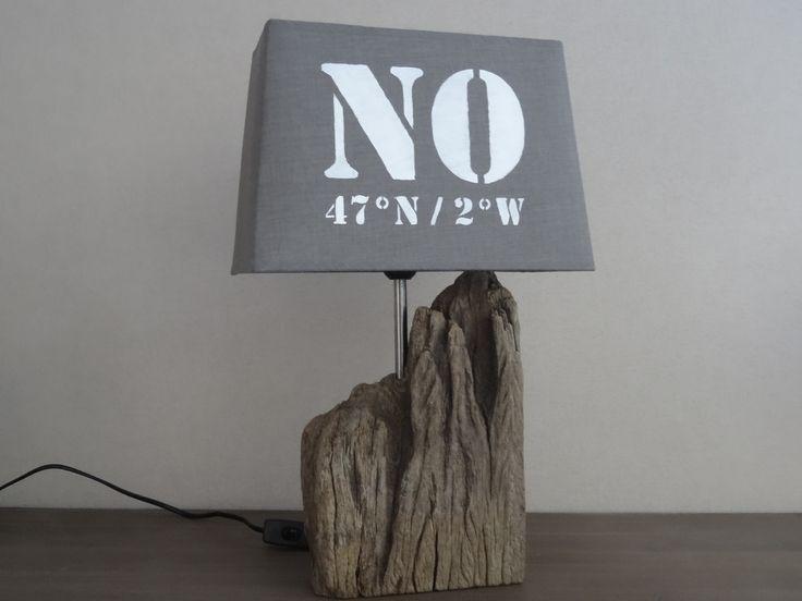 Lampe déco esprit bord de mer avec bois flotté abat jour gris : Luminaires par c-driftwood-bois-flotte http://www.alittlemarket.com/boutique/c_driftwood-1849323.html
