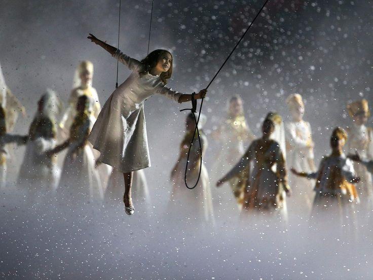 Upacara Pembukaan Olimpiade Musim Dingin Sochi 2014 http://on-msn.com/1g9nmuN