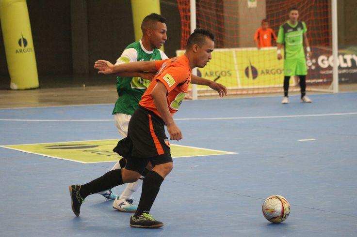 El Coliseo Mariano Ospina fue el escenario del primer juego de la gran final de la #LigaArgosFutsal.