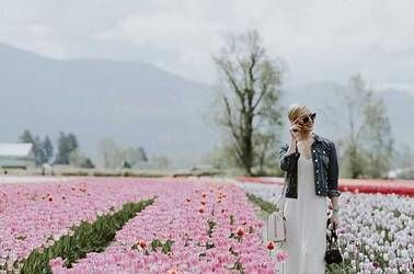 @jennadangio shared this Instagram taken by her sis, @lostlovefound! Tag a sis you want to bring here!  http://tulipsofthevalley.com 🌷 #TulipsOfTheValley 🌷  #tulipfestival #chilliwacktulipfestival #tulips #sharechilliwack #explorebc #gardentourism