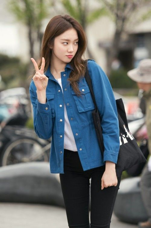 model, lee sung kyung, and fashion image