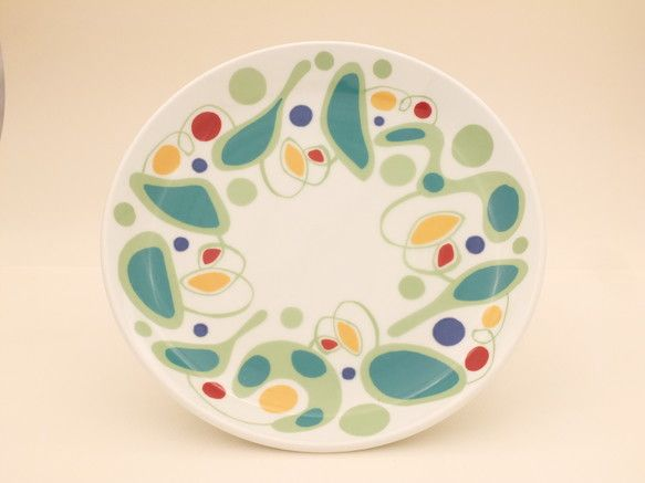カラフルな中皿です。パスタやサラダにどうぞ。サイズ φ21.3cm×H3cm 重量(g):455|ハンドメイド、手作り、手仕事品の通販・販売・購入ならCreema。
