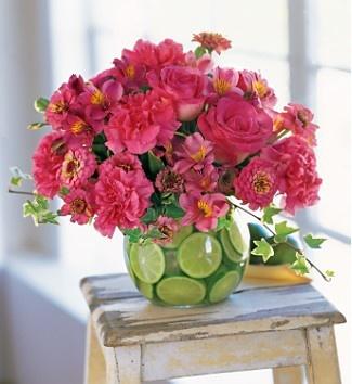 flowersPink Flower, Colors Combos, Spring Flower, Decor Ideas, Flower Arrangements, Hot Pink, Fresh Flower, Floral Arrangements, Limes