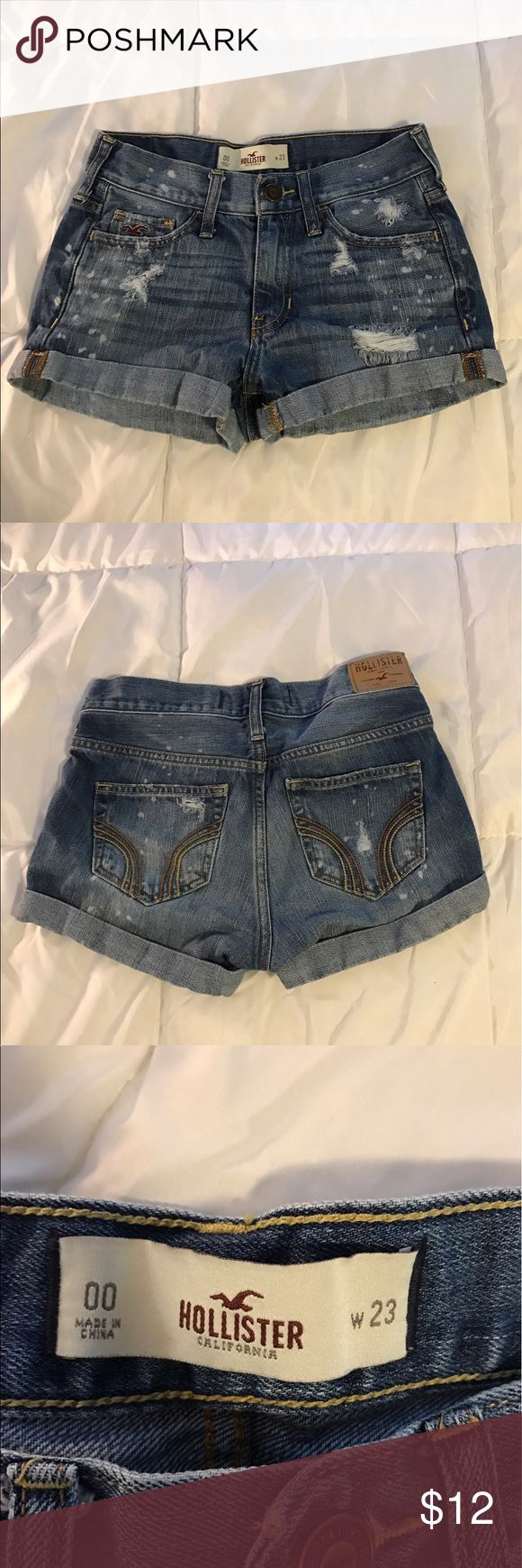 Hollister denim shorts Xs medium wash shorts. Worn once or twice. These shorts are very well made and look great with tee shirts or over a bathing suit! Feel free to make an offer! Hollister Shorts Jean Shorts