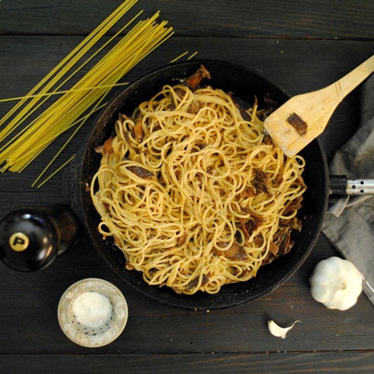 Vegansk Pasta Carbonara | Jävligt gott - vegetarisk mat och vegetariska recept för alla, lagad enkelt och jävligt gott.