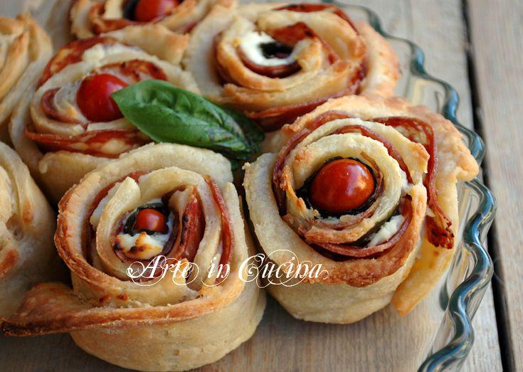 Crostata salata alla ricotta, torta di rose ripiena di ricotta, salame e pomodori, pasta sfoglia veloce, ricetta facile, antipasto, feste, buffet, fingerfood