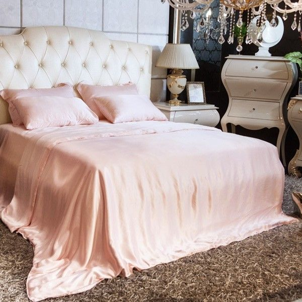 Tea rose silk fitted sheets are created using 22 momme seamless mulberry silk that is free of bleach for a comfortable and safe sleep.