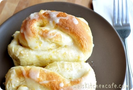 Orange Sweet Rolls...must make these for the Poe Boys to replace their beloved Pillsbury Orange Danish rolls!