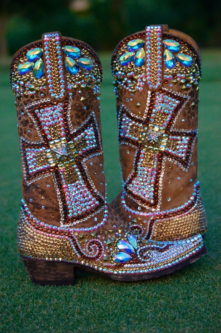 For those who like extremes bordering on gaudy, consider this pair of Gaud Is Good boots from Jacqi Bling Style. Oh, the patience needed to apply all these crystals by hand!