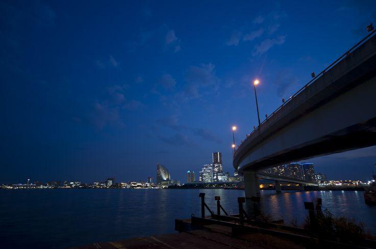 横浜 埠頭 夜景