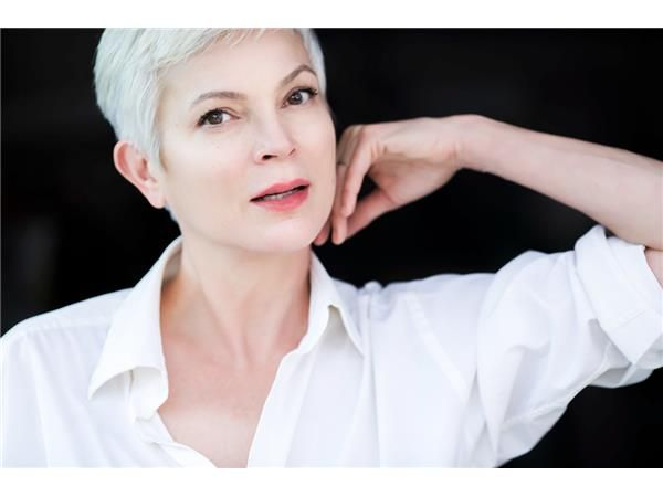 Tomorrow on Chatting With Sherri we welcome #Highlanderstar&author of children's book; SHALILLY ; Elizabeth Gracen at 10:30AMPT  http://tobtr.com/s/9627689.
