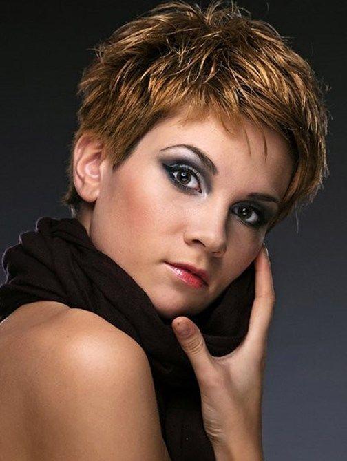 Смотреть прически на короткие волосы - http://popricheskam.ru/177-smotret-pricheski-na-korotkie-volosy.html. #прически #стрижки #тренды2017 #мода #волосы