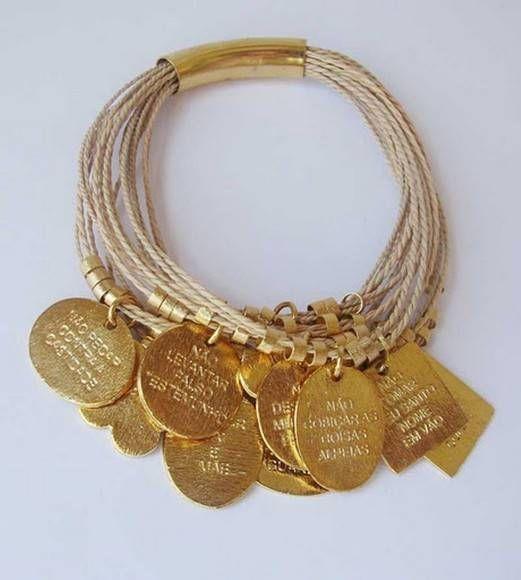 PTP012 - Pulseira palha de buriti com medalhas 10 mandamentos.  Bracelet