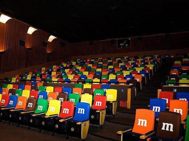 M's envahit un cinéma ! #marketing #communication #guerilla | http://mdelmas.net/