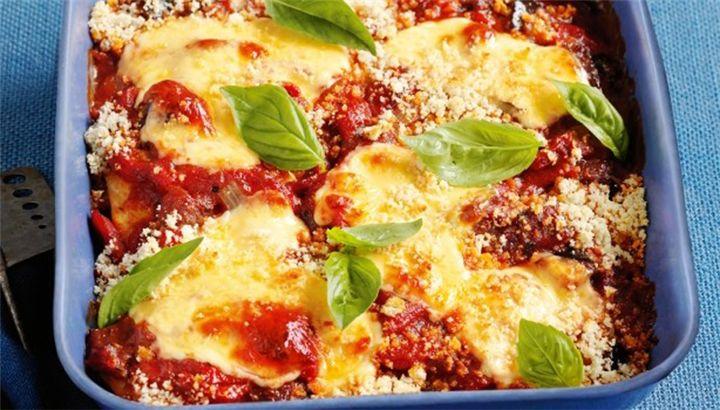 Κοτόπουλο με πιπεριές και μοτσαρέλα στο φούρνο - Filenades.gr