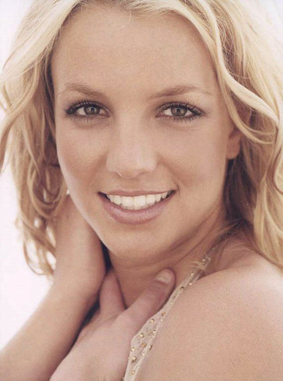 Britney photoshoot from 2003 by Sheryl Nields.