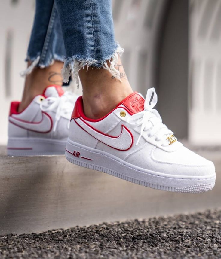 Nike Air Force 1 '07 LX White/University Red sneakers. | Scarpe ...