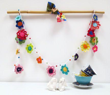 Mollie Makes - issue 24 crochet garland
