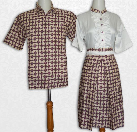 Sarimbit batik cantik, dress bahan batik katun primis kombinasi kain satin (polos putih), kancing depan karet belakang  Kode : SBRP