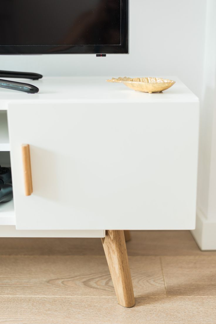 Attention to detail  #Scandinavian #home #furniture http://abreo.co.uk/living-room-furniture/modern-living-room-furniture/scandinavian-style-white-tv-unit