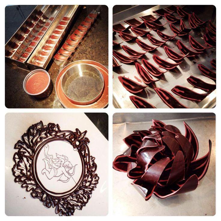 LaBKRY chocolate art!! :) #chocolate #flower #piping #chocolatepetals #chocolateflowers #chocolateshowpiece www.facebook.com/labkry Natasha Bouchard