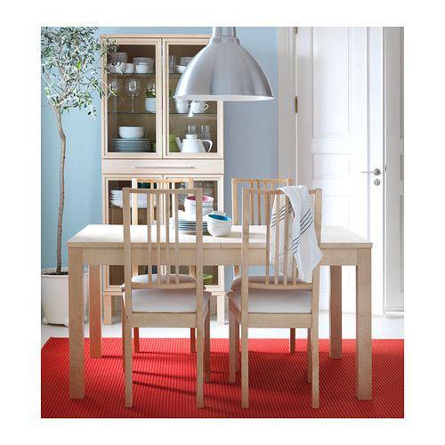 BÖRJE Szék IKEA Párnázott alátét a nagyobb kényelemért. A huzat mosógépben mosható.