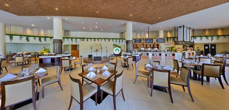 Savour the best of Betawi's culinary delights wth the uniqueness of Betawi modern design and an ideal indoor-outdoor setting overlooking the Dunia Fantasi.