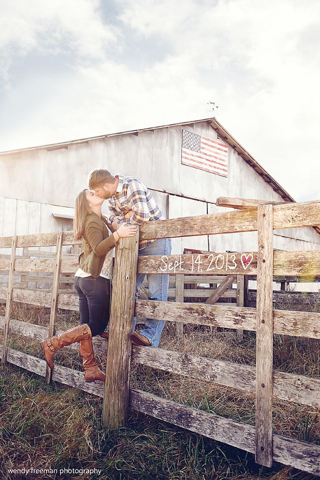 20 Stunning Engagement Photos To Choose From | The SnapKnot Blog | Wendy Freeman Photography