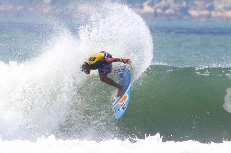 Abertura do Rip Curl Guarujaense de Surf é definida para a Praia do Tombo nestes sábado e domingo