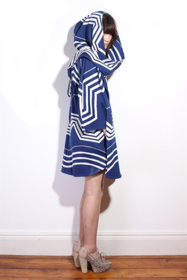 Knitted sailor coat: Knits Sailors, Sailors Coats, Color, Coats Jackets, Helsinki Knits, Ivana Helsinki, Blue Patterns, Coats Outerwear, Blue And White